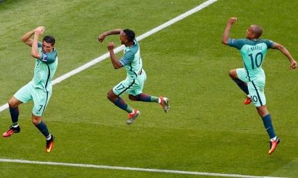 Portugalia prinde in extremis de pe locul trei un loc in optimi