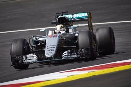 Lewis Hamilton, cel mai rapid in calificarile din Austria