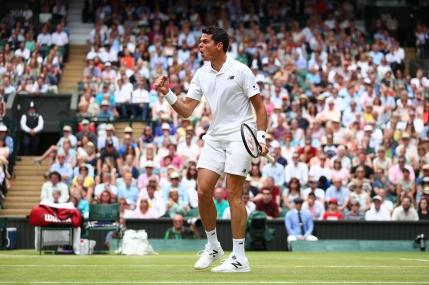Milos Raonic il elimina pe Roger Federer si ajunge in prima finala de Mare Slem din cariera