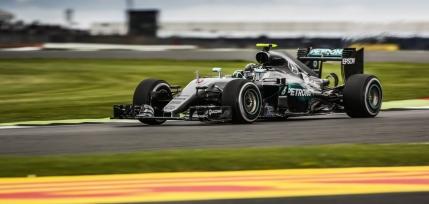 Lewis Hamilton, victorie cu plecare din pole position la Silverstone