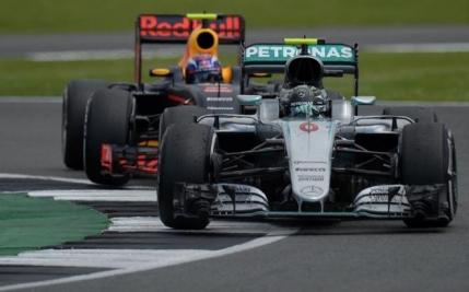 Nico Rosberg a pierdut la masa verde pozitia a doua in cursa de la Silverstone