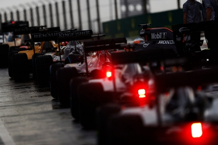 TUR cu TUR Formula 1, Calificarile Marelui Premiu din Ungaria. Patru steaguri rosii in 17 minute!