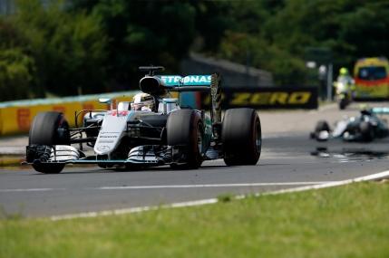 Lewis Hamilton, noul lider din Formula 1 dupa victoria din Ungaria