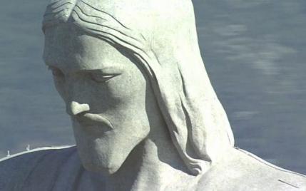 Un roman a sculptat capul statuii Hristos Mantuitorul din Rio