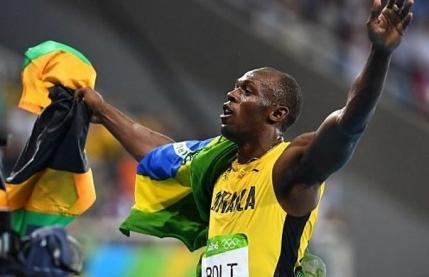 Usain Bolt face dubla la Rio dupa victoria de la 200 m
