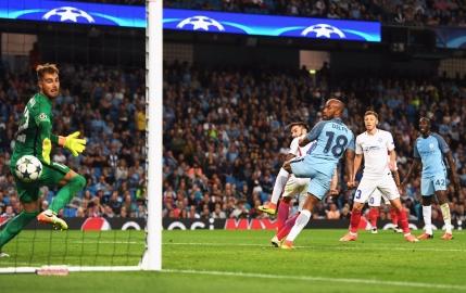 Steaua pierde la limita returul cu Manchester City