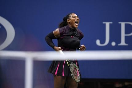 Simona Halep invinsa in trei seturi de Serena Williams dupa un meci de peste doua ore