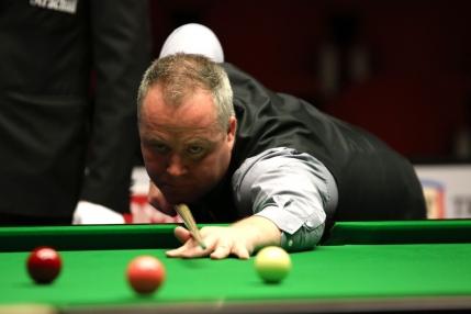 John Higgins evita in extremis surpriza si e primul sfert-finalist la European Masters
