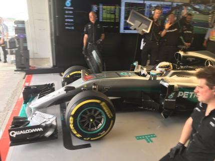 Nico Rosberg domina primele antrenamente libere de la Suzuka