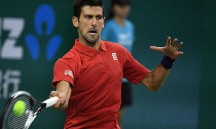 Novak Djokovic aproape de eliminare la Shanghai