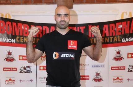 Bogdan Dinu l-a spulberat pe gruzinul Davit Gorgiladze la Noaptea Campionilor Bombardament in Arena