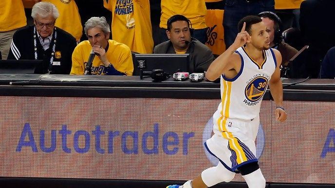Nou record de cosuri de la distanta in NBA