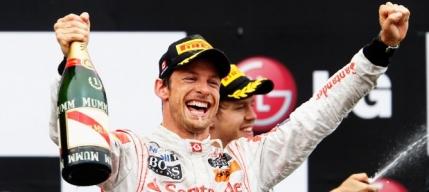 Button se tine de glume inaintea ultimei curse din cariera in Formula 1 si aprinde lupta pentru titlul mondial