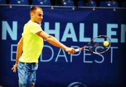Copil patrunde in top 100 mondial