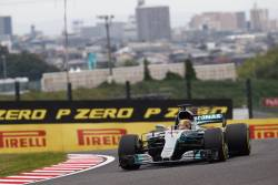 Dubla Mercedes in calificarile de la Suzuka. Hamilton in pole position