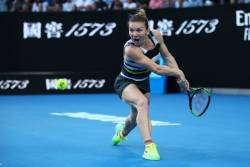 Simona Halep paraseste Australian Open invinsa de Serena Williams